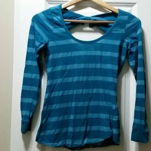 Weavers size M blue striped shirt with bow accent
